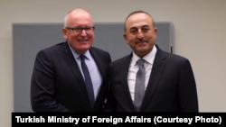 Dışişleri Bakanı Mevlüt Çavuşoğlu, AB Komisyonu birinci başkan yardımcısı Frans Timmermans ile