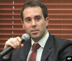 副助理国务卿拜尔认为应由国务院主导网络自由政策