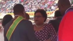 Former Rival Mujuru Gives New Zimbabwe President Warm Welcome