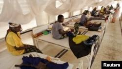 Dans un centre de santé à Maradi, au Niger, le 30 juillet 2005.