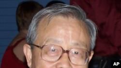 中国物理学家、异议人士方励之(资料照片)