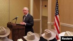 El Fiscal General Jeff Sessions defendió ante alguaciles fronterizos la política de inmigración del gobierno de Donald Trump. Abril 11 de 2018.