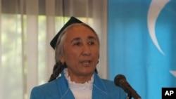 热比亚在 世界维吾尔人会议第四届大会上演说