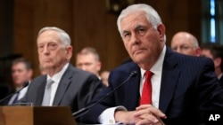 وزرای خارجه و دفاع آمریکا در کمیته سنا حضور یافتند.