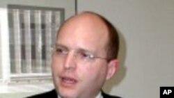 Рикер брифираше за американската политика кон Балканот