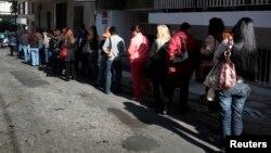 Red ispred Biroa za nezaposlene (arhiva)