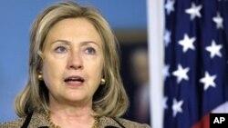 کلنټن: امریکا د ناټو د لیبیا له ماموریت سره تر پایه دریږي