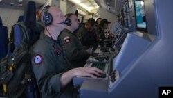 美国海军P-8波塞冬海上巡逻机机组人员