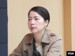 台湾中央警察大学国境系副教授高佩珊 (美国之音张永泰拍摄)