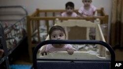 برخی از این کودکان را مادران شان پس از تولد تنها رها کرده اند