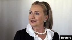 65 yoshli Klinton 7-dekabrdan beri jamoatchilikka ko'rinish bermagan edi