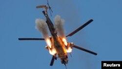 Helikopter Irak menembakkan misil ke arah sasaran militan ISIS di Mosul (foto: ilustrasi).