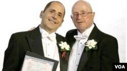 Perbedaan pendapat mengenai pernikahan gay menjadi salah satu isu sosial penting di AS menjelang pemilu 2012.