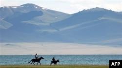 Продолжаются споры вокруг причин событий в Кыргызстане