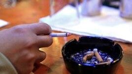 Rritet numri i atyre që nuk pinë duhan