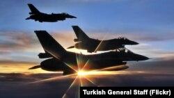 Turkish Air Force F-16s on patrol