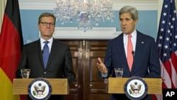美国国务卿克里和德国外长韦斯特韦勒在美国国务院举行记者会
