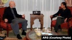 رئیس جمهور موقف خود را در تازه ترین دیدار به مشاور امنیت ملی امریکا در کابل تکرار کرد.