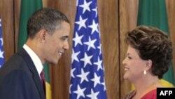Tổng thống Hoa Kỳ Barack Obama (trái) và Tổng thống Brazil Dilma Vana Rousseff