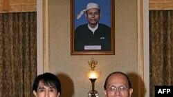 Nếu sau này, vận mệnh của Miến Điện thay đổi - dân chủ và phát triển hơn, chắc chắn người ta sẽ nhớ mãi công lao và công ơn của hai con người vĩ đại này