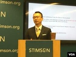 台湾成功大学政治学助理教授王宏仁 (美国之音钟辰芳拍摄)