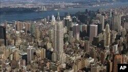 Hệ thống Vertical World Circuit hàng năm tổ chức các cuộc tranh tài tại 9 quốc gia trên thế giới, ở những tòa nhà chọc trời nổi tiếng nhất thế giới, chẳng hạn như tòa nhà Empire State (hình trên) của New York.