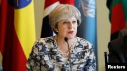 Perdana Menteri Inggris Theresa May berbicara dalam sebuah pertemuan di sela-sela Sidang Umum PBB ke-72 di Markas Besar U.N. di New York, 19 September 2017.