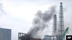 의문의 연기가 치솟는 후쿠시마 원전의 3호기 원자로