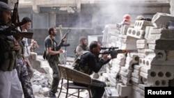 Pemberontak Suriah terlibat bentrokan dengan pasukan pemerintah di kota Aleppo, Suriah utara (11/10).