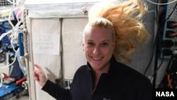 來自國際太空站的消息:我今天投票了--凱特·魯賓斯。 (2020年10月23日)