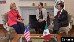 Hillary Clinton y el presidente Enrique Peña Nieto en su reunión en Los Pinos.