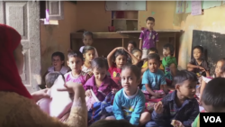 Indian education centers prepare dropout students to return to school