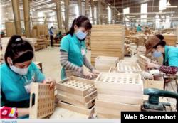 Vietnam telah mengambil alih China sebagai pengekspor furnitur terbesar ke AS karena tarif mendorong produsen keluar dari ekonomi terbesar kedua di dunia dalam tangkapan layar.