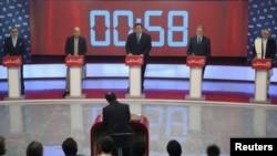 هرکدام از پنج نامزد برای زمان مساوی صحبت نمودند