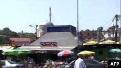 Besimtarët myslimanë në Maqedoni mbyllin muajin e Ramazanit