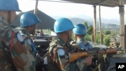 Des casques bleus mènent pour protéger les installations de la Monusco.