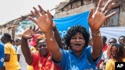 Fin officielle de l'épidémie Ebola en Sierra Leone le samedi 7 novembre, 2015. (AP Photo / Aurélie Marrier d' Unienville)