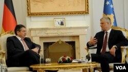 Njemački šef diplomatije Zigmar Gabrijel sa predsjednikom Vlade Kosova Ramušom Haradinajem, Priština 15. februar 2018.