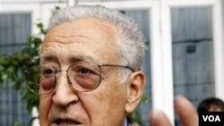 Lakhdar Brahimi, mantan utusan khusus PBB untuk Afghanistan.