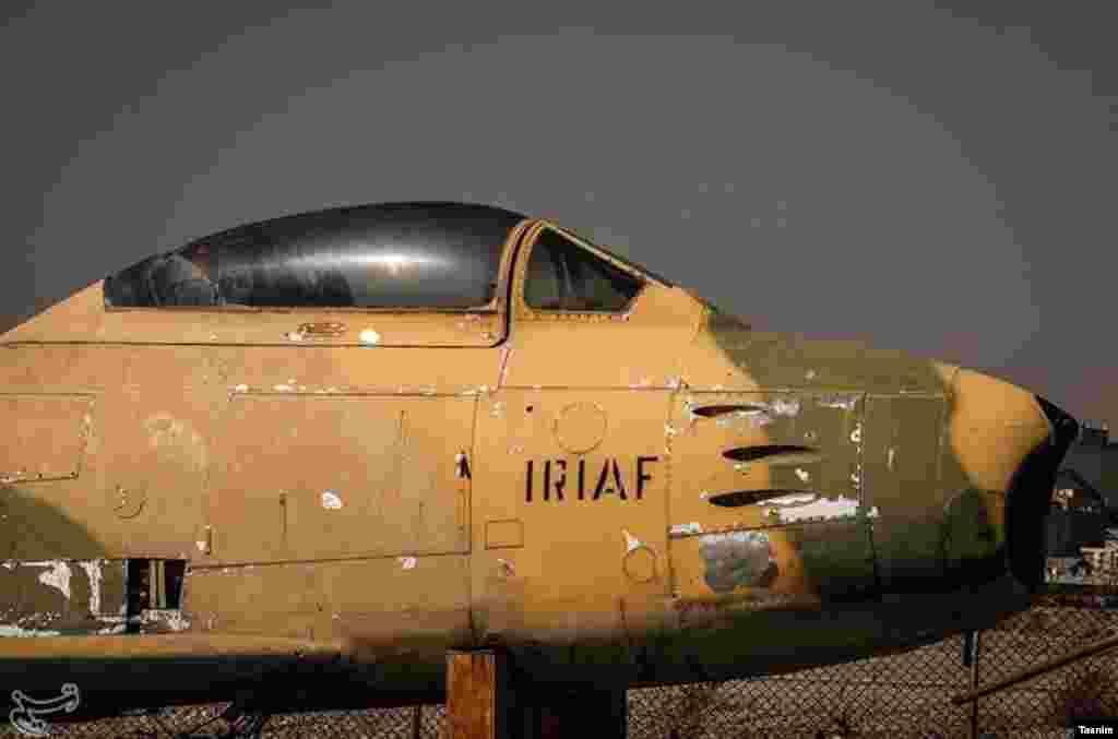 هواپیمایی از دوران جنگ عراق و ایران. موزه نیروی هوایی ارتش در منطقه پیروزی تهران.