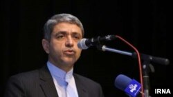 علی طیب نیا وزیر اقتصاد ایران - آرشیو