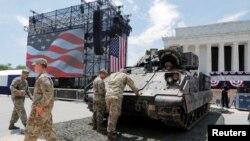 ေဂ်ာ္ဂ်ီယာျပည္နယ္ Fort Setwart အေျခစုိက္ သံခ်ပ္ကာတပ္ရင္းမွ အေမရိကန္တပ္ဖြဲ႔ဝင္အခ်ဳိ႕။ (ဇူလုိင္ ၃၊ ၂၀၁၉)