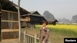 王铮2013年3月在桂林(照片由她向路透社提供)