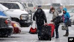 El algunas partes de la zona este del país ya iniciaron las nevadas. Se espera que el clima empeore durante el miércoles y jueves, Día de Acción de Gracias.