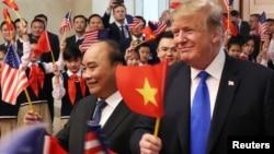 Nhìn chung, Tổng thống Mỹ Donald Trump được nhiều người Việt Nam mến mộ
