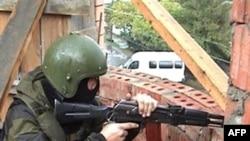 Операция спецназа МВД РФ по задержанию подозреваемых (архивное фото)