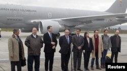 Делегация правительства Колумбии перед вылетом в Осло