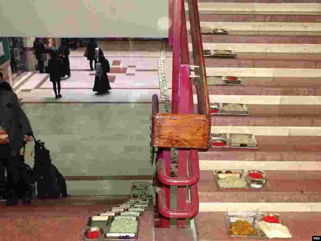 اعتصاب در دانشکده زبانهای خارجی دانشگاه تهران ارسالی شما