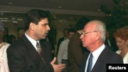 گونن سگو (چپ) وزیر انرژی و زیرساخت های اسرائیل در سال های ۱۹۹۵ تا ۱۹۹۶در دولت اسحاق رابین بود.