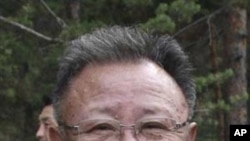 김정일 국방 위원장의 생전 모습 (자료사진)